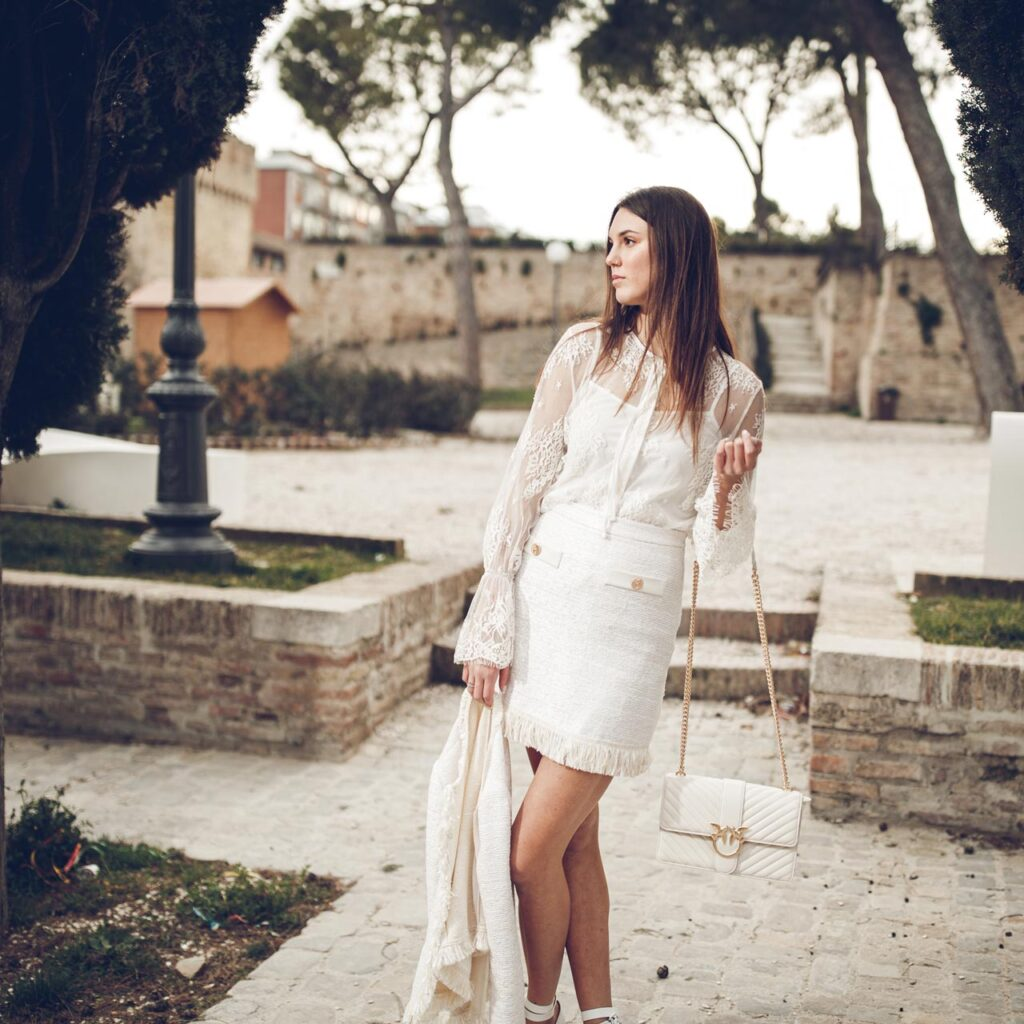 Outfit #101: Total white dall'animo rock